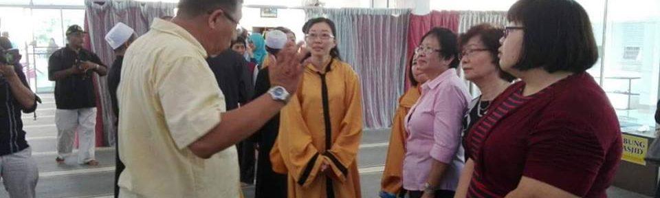 jubah pelawat untuk masjid
