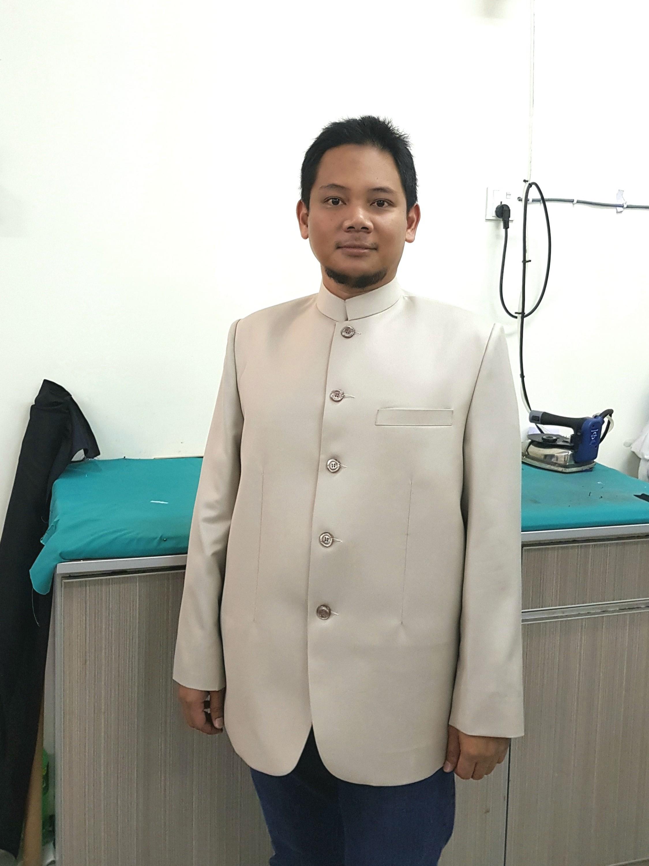 mandarin suit