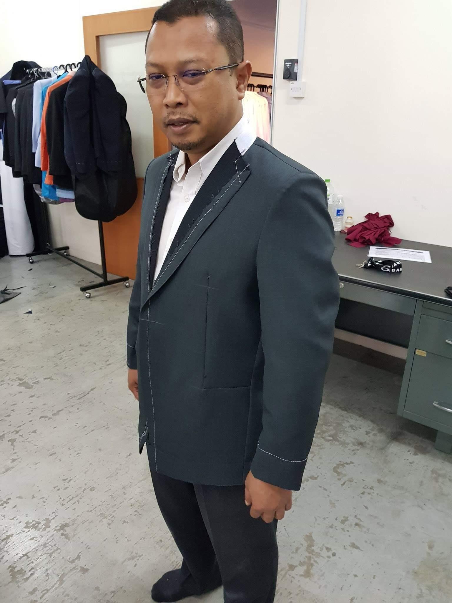 tempahan coat dan seluar sesi fitting