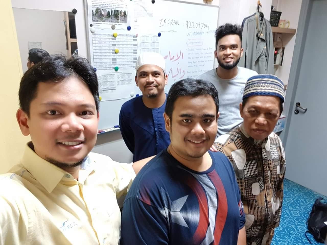 Tempahan jubah imam coat untuk masjid al-khair chua chu kang Singapura