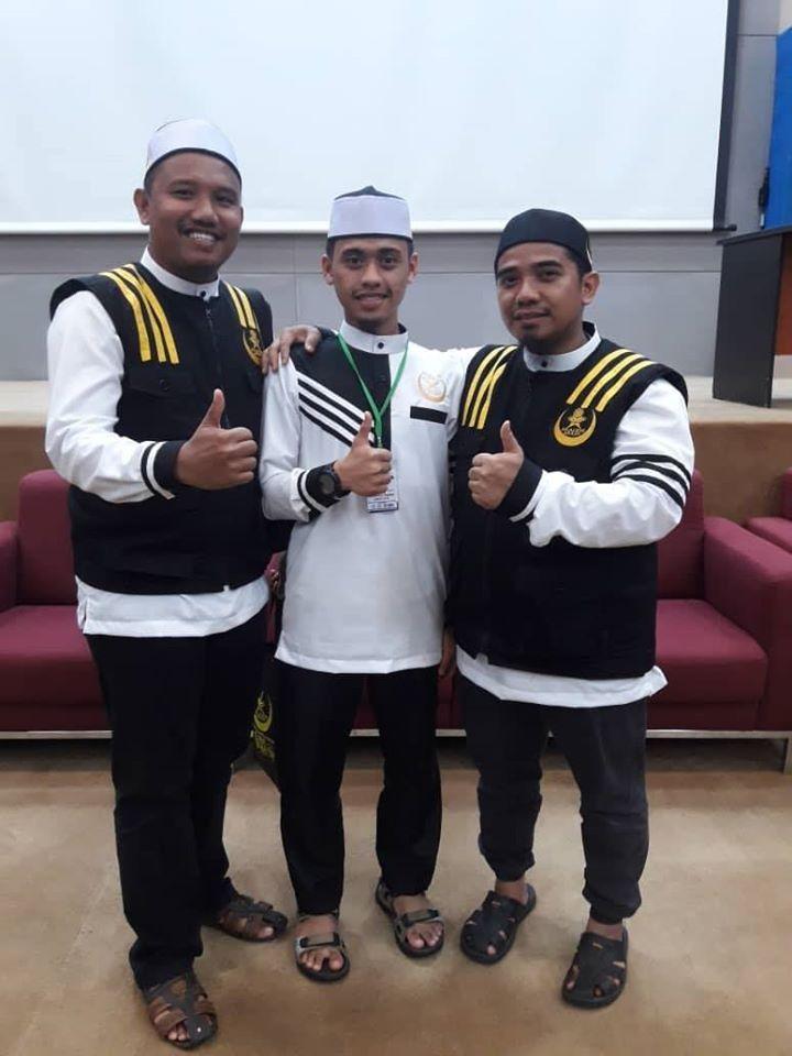 Tempahan Baju Korporat Raihan utk Akademi Arasy (Perubatan Islam). . #jubahlelakijohanrosli #johanrosli #bajuraihan #bajukorporat #akademiarasy