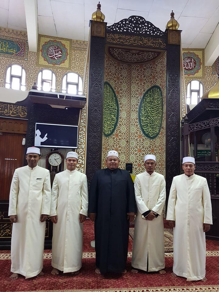 Dah siap.. Jubah Imam Coat utk Geng Masjid Bulat PJ.