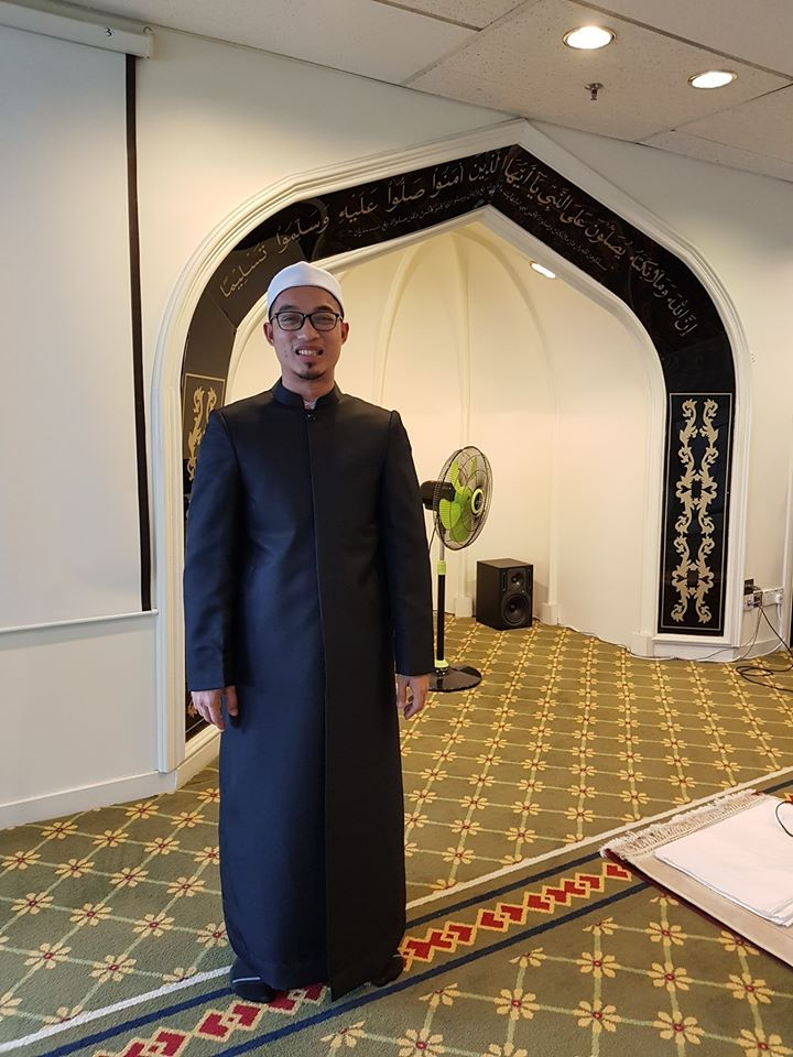 Tempahan jubah imam coat utk Surau Al-Insaf, Tingkat 11, Menara Maybank KL.