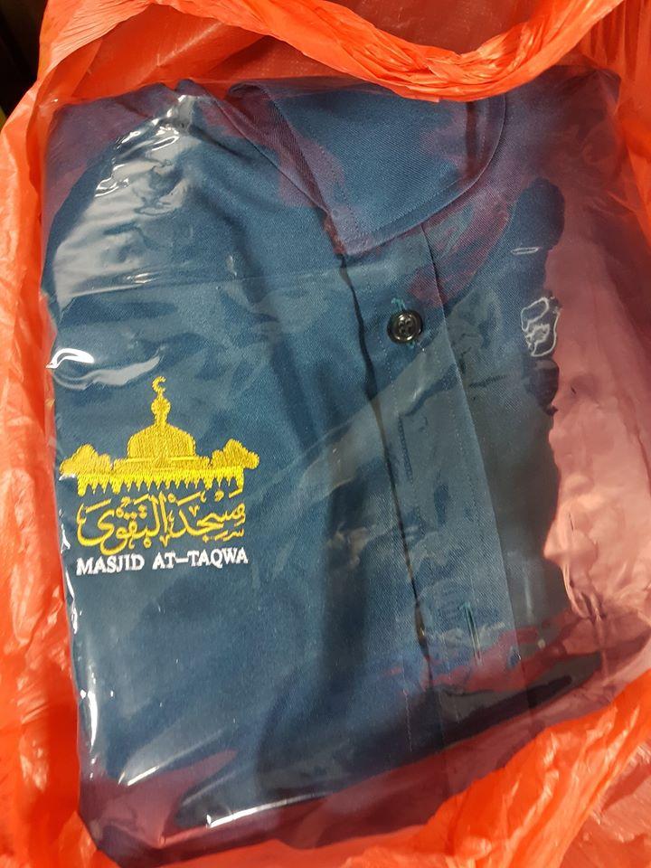 Jubah Pelawat aka Jubah Visitor utk Non-Muslim melawat masjid. Tempahan ini adalah utk Masjid At-Taqwa Tmn Tun Dr Ismail.